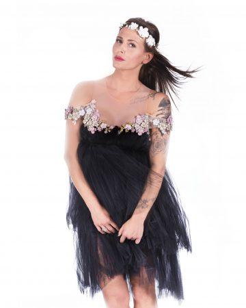 black-dress-woman1
